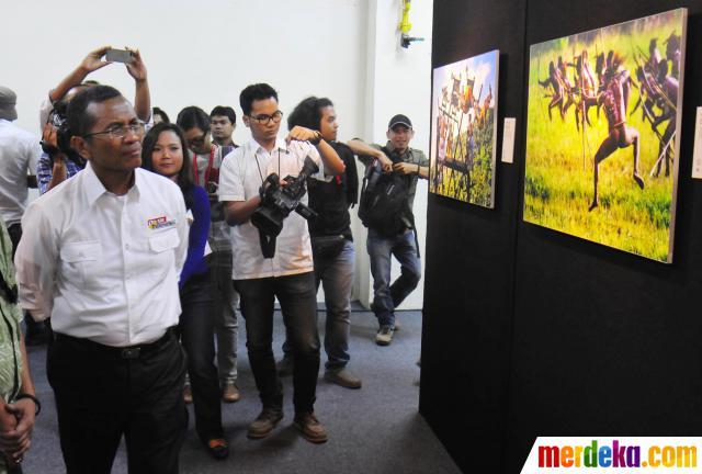 dahlan-iskan-tifatul-sembiring-hadiri-pameran-foto-jurnalistik-001-farikh-ibrahim