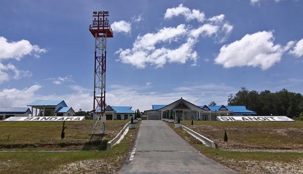 Dahlan Iskan - Bandara Silangit